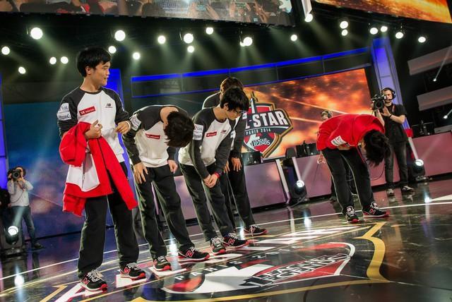 LMHT: Đây là 5 người đồng đội tuyệt vời nhất mà Faker từng sát cánh trong màu áo SKT T1 - Ảnh 2.