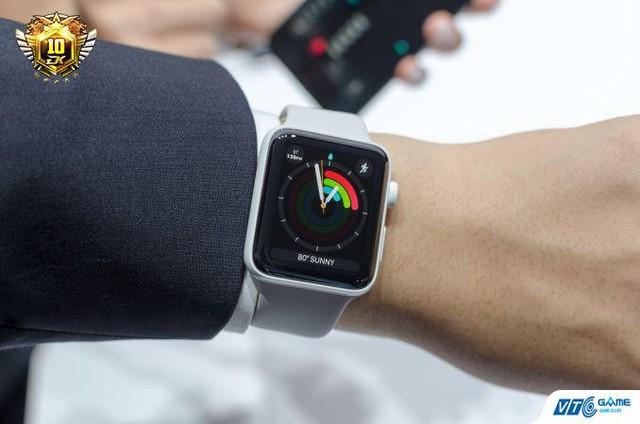 .. cùng chiếc Apple Watch 2 giá 13 triệu đồng là phần quà của Đột Kích