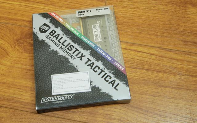 Ballistix Tactical Tracer RGB có vỏ hộp nhựa trong khá lạ mắt, đồng thời khẳng định đây là sản phẩm dành cho gaming.
