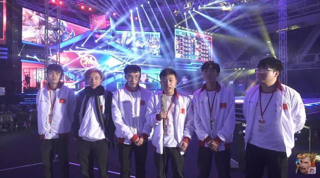 Đội hình á quân châu lục của GameTV vào lúc này chỉ còn đội trưởng PS Man và Matoong, liệu Bé Chanh có gắn bó tiếp?