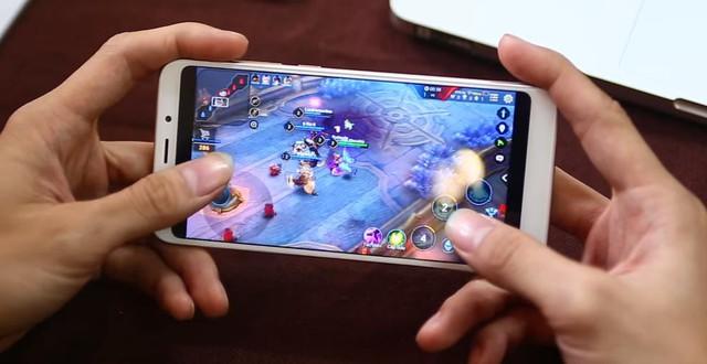 Xiaomi Redmi 5 Plus là smartphone giá rẻ chiến Liên Quân Mobile phố biến nhất hiện nay.