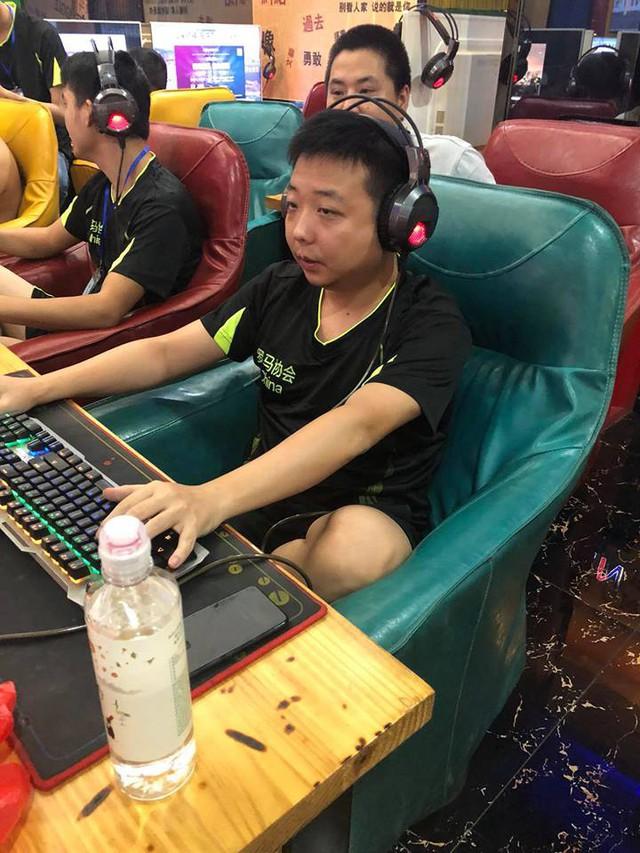 ShenLong đã tiều tụy hơn rất nhiều kể từ sau thất bại 0-4 trước Chim Sẻ Đi Nắng.