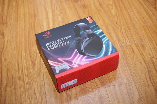 Asus ROG Strix Fusion Wireless: Tai nghe gaming đẹp, ngon, siêu tiện lợi - Ảnh 1.