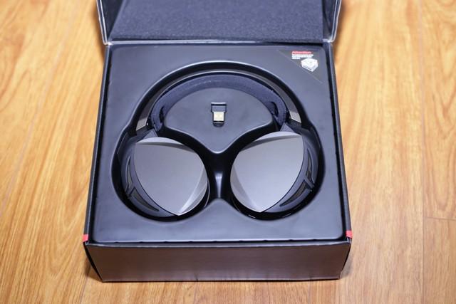Asus ROG Strix Fusion Wireless: Tai nghe gaming đẹp, ngon, siêu tiện lợi - Ảnh 2.