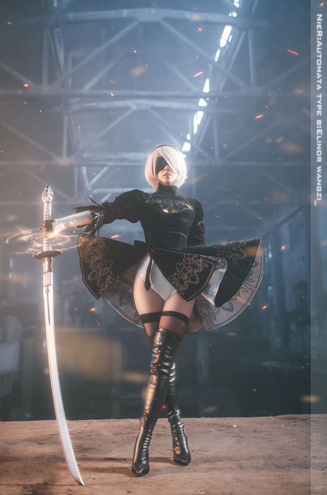 Bỏng mắt với cosplay về cô nàng 2B trong Nier: Automata - Ảnh 1.