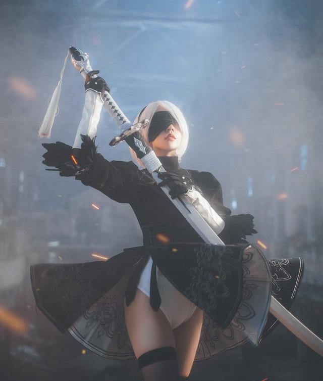Bỏng mắt với cosplay về cô nàng 2B trong Nier: Automata - Ảnh 5.