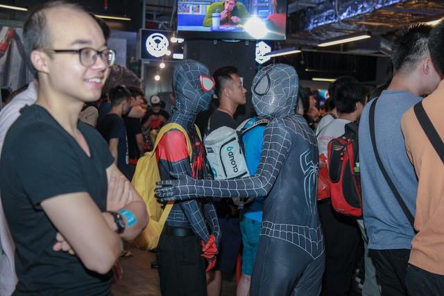Offline Spider-Man tại Hà Nội: Không những được chơi thử game còn tiết lộ cả loạt phim sắp ra mắt của Marvel - Ảnh 4.