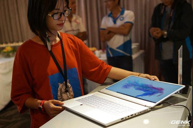 Cận cảnh laptop mỏng nhẹ Prestige PS42 đến từ MSI: chỉ 1,19 kg, pin 10 giờ, giá gần 21 triệu đồng - Ảnh 11.
