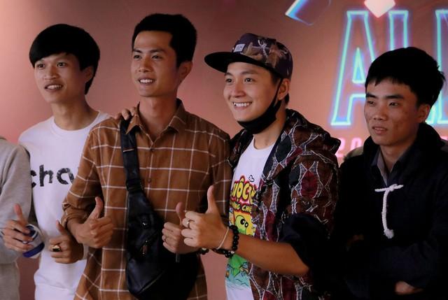 HLV Huỳnh Phương Cảm thấy rất vui vì chiến thắng trước CR, vui vì tụi nhỏ đã biết chơi game - Ảnh 3.