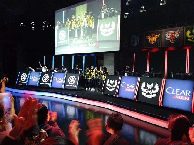 LMHT: Đánh bại SGD với đội hình trẻ nhất lịch sử, fan hâm mộ GAM Esports không giấu nổi cảm xúc hạnh phúc đến run người - Ảnh 4.