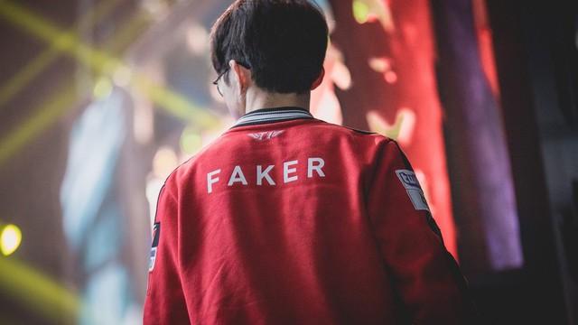 Faker lần đầu lên tiếng thừa nhận áp lực, tuyên bố gạt cảm xúc sang một bên khi ký hợp đồng với SKT - Ảnh 3.