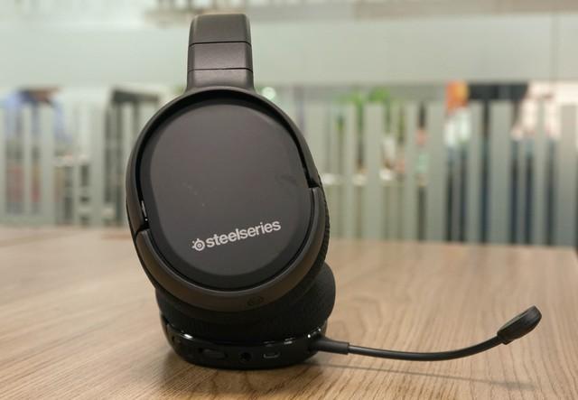 Dùng thử SteelSeries Arctis 1 Wireless: Đang chơi game muốn đi WC cũng không cần tháo tai nghe - Ảnh 14.