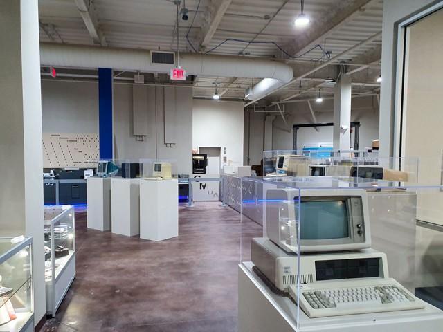 50 năm trước, những cỗ PC có hình dạng như thế nào? - Ảnh 12.