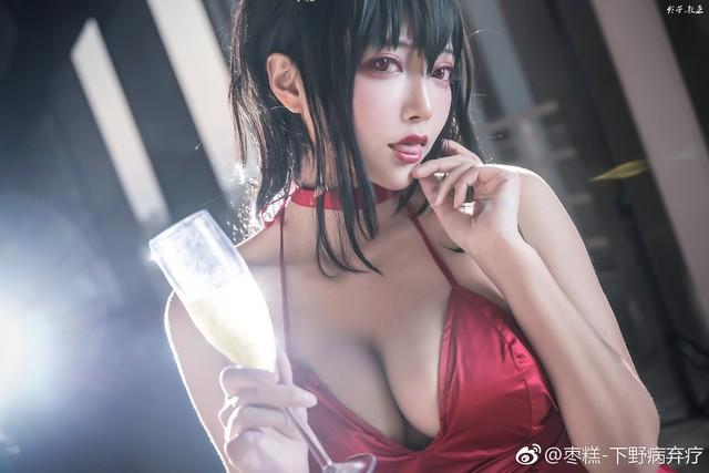 Bỏng mắt khi ngắm nàng waifu nổi tiếng trong tựa game mobile Azur Lane - Ảnh 6.