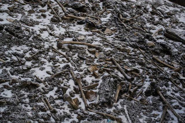 Bí ẩn chưa có lời giải về hồ nước chứa đầy xương người trên dãy Himalayas - Ảnh 8.