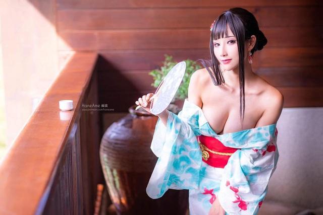 Thiếu nữ xinh đẹp khoe đôi gò bồng đảo quyến rũ tại nhà tắm suối nước nóng - Ảnh 6.