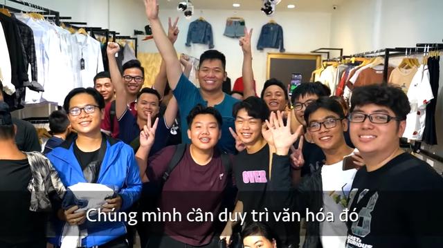 Mua cả cửa hàng quần áo tặng người Việt, Pewpew và Nas Daily nhận cơn mưa chỉ trích: Dàn dựng kịch bản, sai ý nghĩa... - Ảnh 4.
