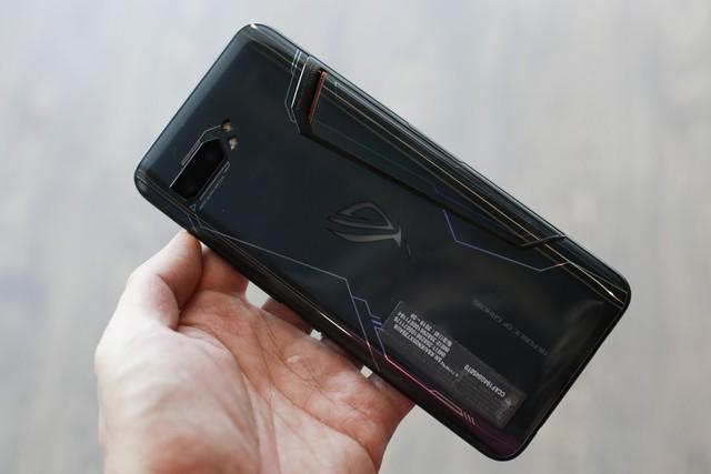 ROG Phone 2 chính hãng tại Việt Nam có giá 22 triệu đồng, gần gấp đôi hàng xách tay - Ảnh 2.