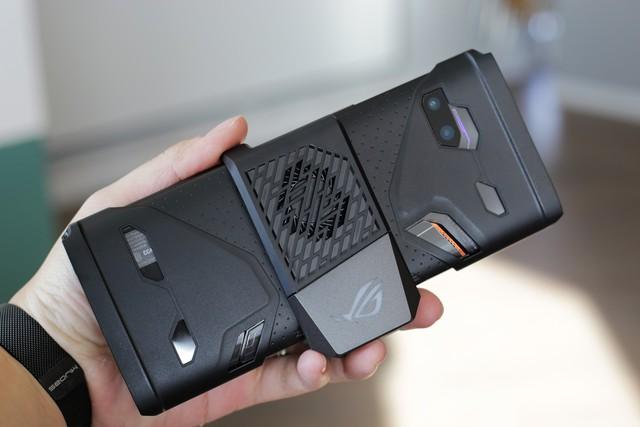 ROG Phone 2 chính hãng tại Việt Nam có giá 22 triệu đồng, gần gấp đôi hàng xách tay - Ảnh 4.