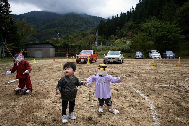 Ngôi làng vắng bóng trẻ thơ tại Nhật Bản: 18 năm không có một đứa trẻ nào ra đời, số búp bê nhiều gấp 10 lần số dân làng - Ảnh 9.