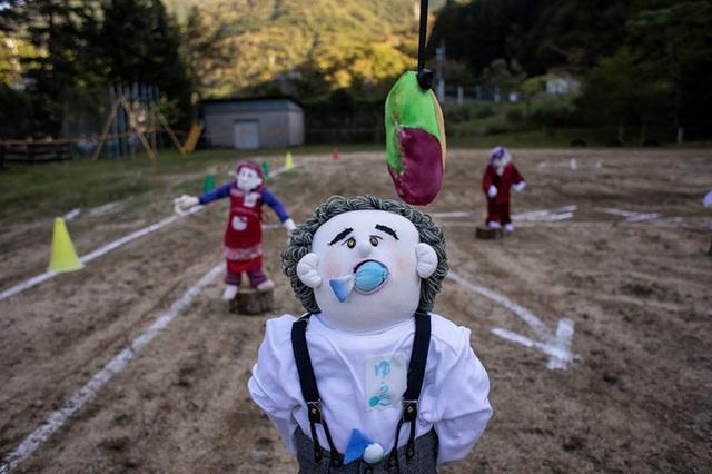 Ngôi làng vắng bóng trẻ thơ tại Nhật Bản: 18 năm không có một đứa trẻ nào ra đời, số búp bê nhiều gấp 10 lần số dân làng - Ảnh 10.