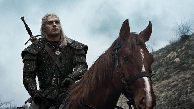 The Witcher được người xem khen nức nở, Game of Thrones cũng phải chào thua - Ảnh 2.