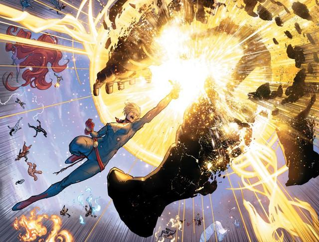 Tạo riêng một siêu chiến giáp để khắc chế Captain Marvel, nhưng Iron Man vẫn bị bán hành đến hôn mê bất tỉnh - Ảnh 2.