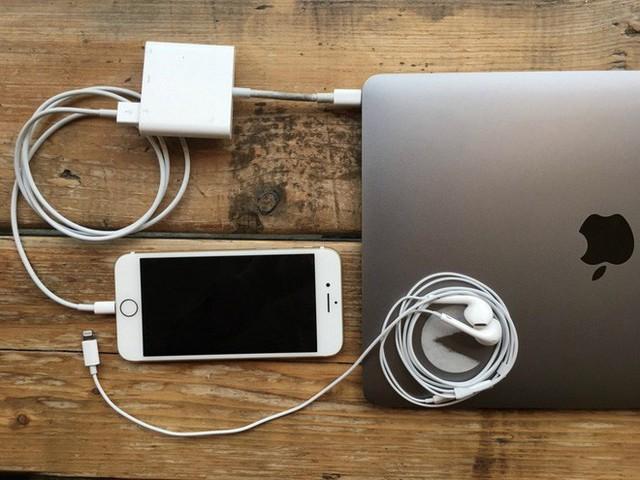 5 nỗi khổ khó nói của hội thích dùng iPhone, lỡ rút ví rồi nên đành cắn răng chấp nhận - Ảnh 3.
