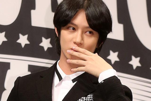LMHT: Đăng clip đi chơi cùng Bang và Huni, nam idol của Super Junior hiện nguyên hình fan cứng SKT - Ảnh 5.