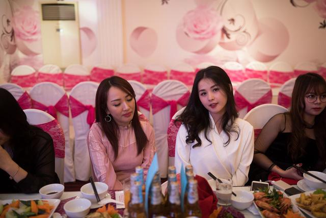 Quang Cuốn đón sinh nhật hoành tráng mừng 1 triệu Sub Youtube bên gia đình và dàn khách mời siêu khủng - Ảnh 14.