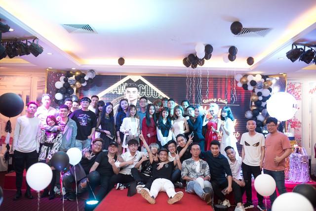 Quang Cuốn đón sinh nhật hoành tráng mừng 1 triệu Sub Youtube bên gia đình và dàn khách mời siêu khủng - Ảnh 18.