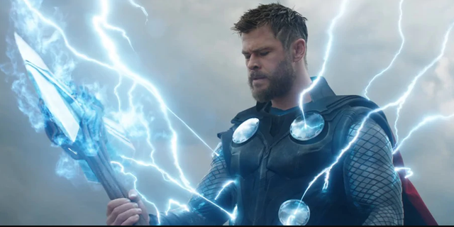 Vượt qua Thor hay Captain Marvel, phù thủy đỏ Scarlet Witch mới xứng đáng là siêu anh hùng mạnh nhất Avengers: Endgame? - Ảnh 2.