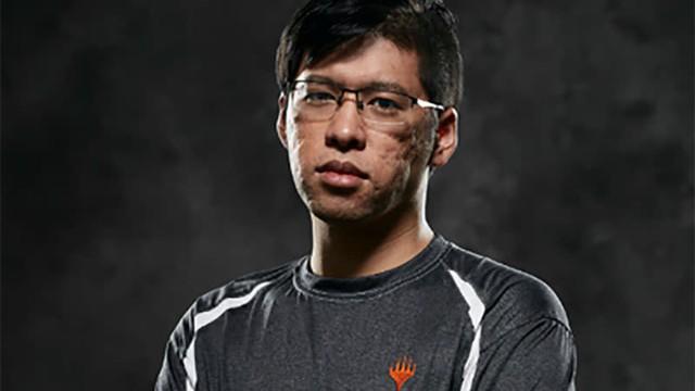 Gian lận như trong phim Châu Tinh Trì, một bài thủ Nhật Bản bị loại thẳng tay khỏi giải đấu bài ma thuật - Ảnh 1.