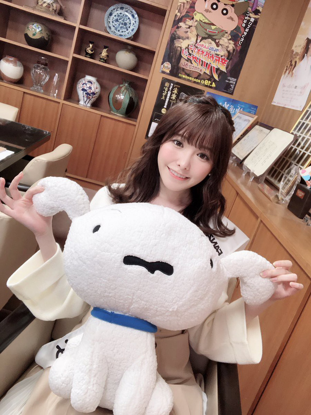 Ngắm nhan sắc ngọt ngào của Arina Hashimoto, tiểu mỹ nữ xinh đẹp nhất làng phim người lớn Nhật Bản - Ảnh 12.