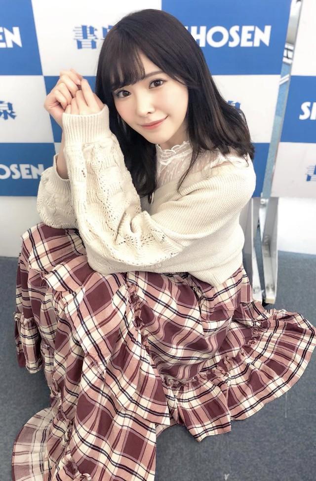 Ngắm nhan sắc ngọt ngào của Arina Hashimoto, tiểu mỹ nữ xinh đẹp nhất làng phim người lớn Nhật Bản - Ảnh 15.