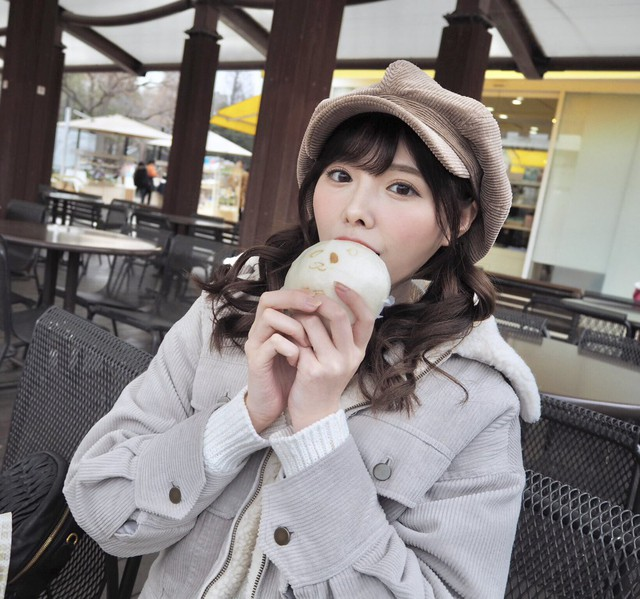 Ngắm nhan sắc ngọt ngào của Arina Hashimoto, tiểu mỹ nữ xinh đẹp nhất làng phim người lớn Nhật Bản - Ảnh 19.