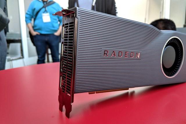 Cận cảnh bộ đôi RX 5700 và RX 5700 XT: VGA chiến game cực mạnh từ AMD nhưng giá chỉ trung học - Ảnh 3.