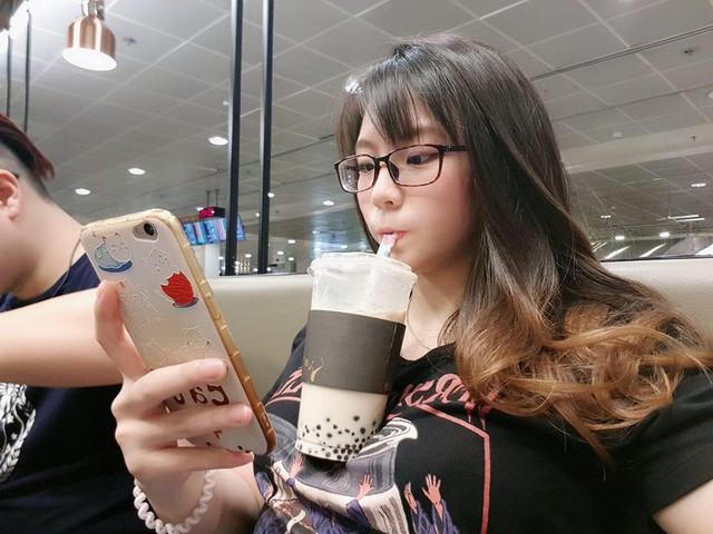 Trào lưu mới siêu bổ mắt của các hot girl Nhật Bản: Thử thách uống trà sữa bằng ngực khủng - Ảnh 10.