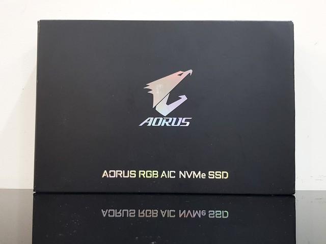 Đánh giá SSD Aorus RGB AIC NVMe: Tốc độ thần sầu, lung linh sắc màu - Ảnh 1.