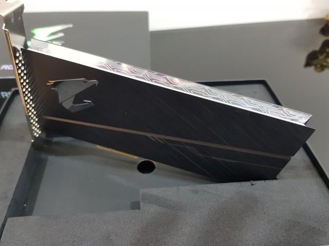 Đánh giá SSD Aorus RGB AIC NVMe: Tốc độ thần sầu, lung linh sắc màu - Ảnh 5.