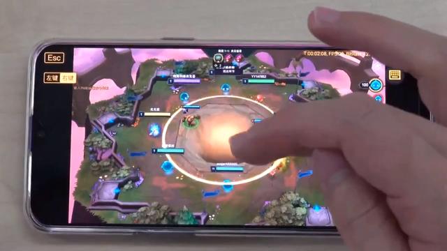 LMHT: Tencent ra mắt ứng dụng cho phép game thủ chơi LMHT phiên bản Client PC ngay trên di động - Ảnh 2.