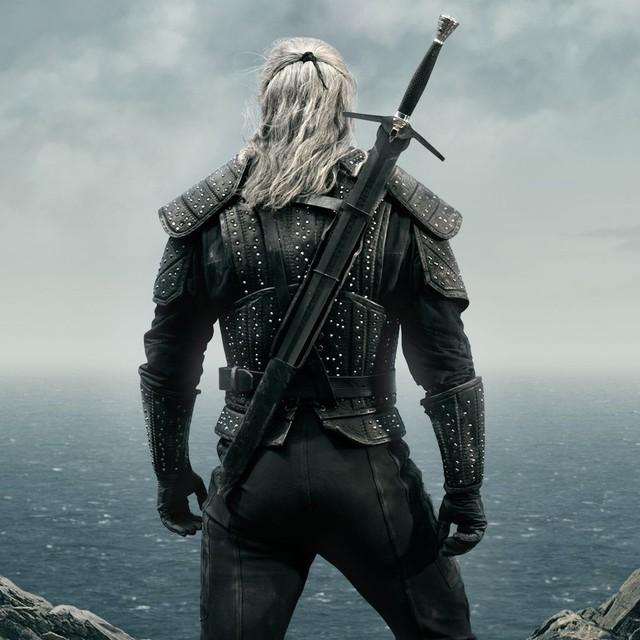 Sịp đỏ Henry Cavill chất lừ trong phim chuyển thể từ The Witcher - Ảnh 1.