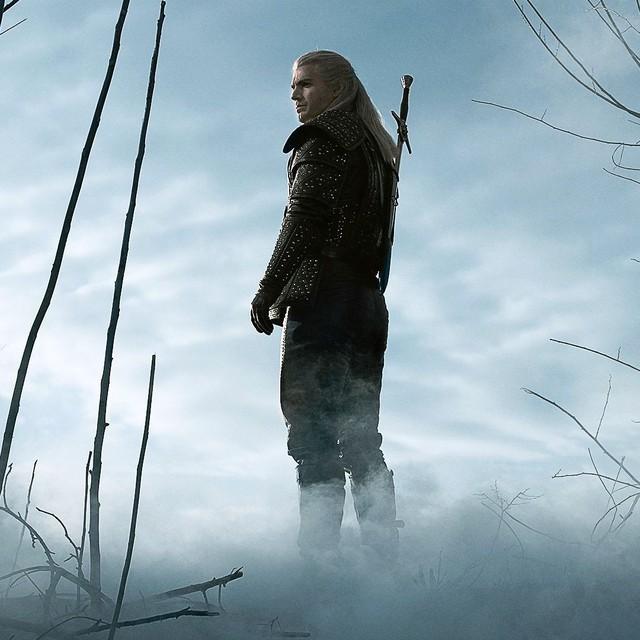 Sịp đỏ Henry Cavill chất lừ trong phim chuyển thể từ The Witcher - Ảnh 2.