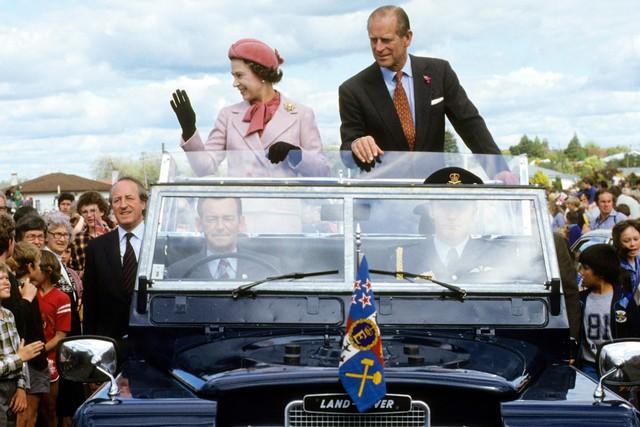 Hai vụ ám sát hụt bị giấu kín gần 40 năm: Chỉ trong 1 năm Nữ hoàng Anh 2 lần suýt mất mạng, danh tính những kẻ chủ mưu không ai ngờ - Ảnh 1.