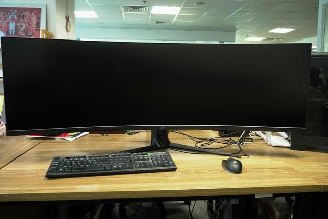Trải nghiệm màn hình gaming Asus ROG Strix XG49V: Chơi trò gì cũng như đang hack map - Ảnh 2.