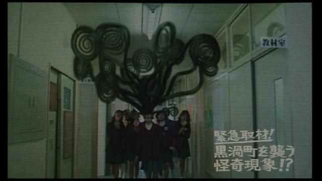 8 bộ phim live-action được chuyển thể từ truyện tranh kinh dị Ito Junji cực kỳ đáng xem - Ảnh 7.
