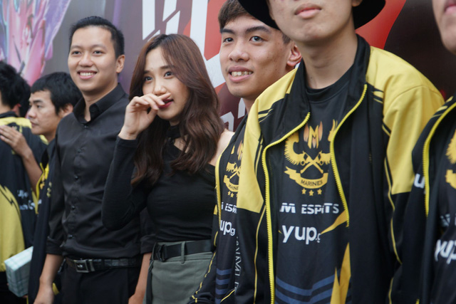 LMHT: Chung kết VCS mùa hè 2019 - Sức nóng lan tỏa từ trận đấu siêu kinh điển của LMHT Việt Nam - Ảnh 11.