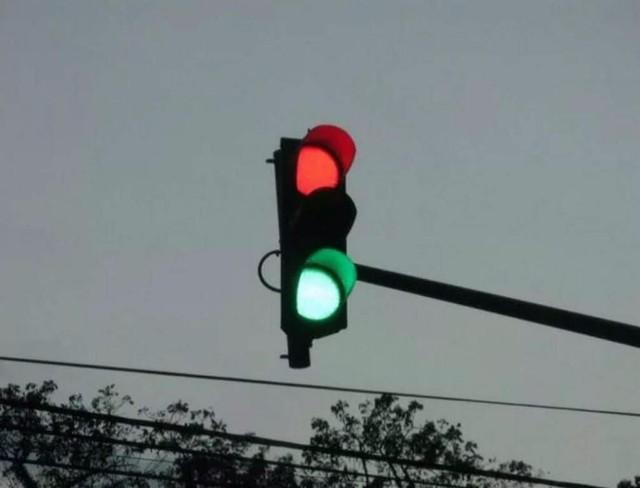Đèn giao thông bắt ma: Thứ vũ khí tiêu trừ âm tà mà chẳng ai biết đến của người Trung Hoa - Ảnh 3.