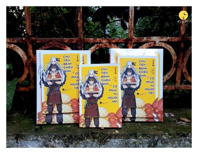 """Light Novel """"Chủ tiệm bánh chiến binh và cô phục vụ người máy"""" chính thức ra mắt với độc giả tại Việt Nam - Ảnh 1."""