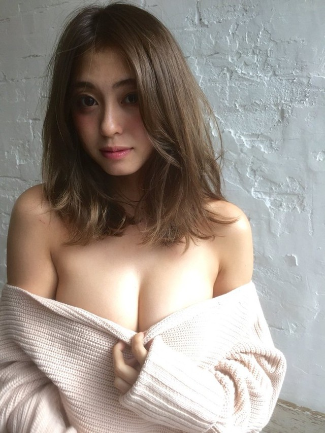 Ngộp thở với vòng một phồn thực của cô nàng MC thời tiết hot nhất Nhật Bản - Ảnh 5.